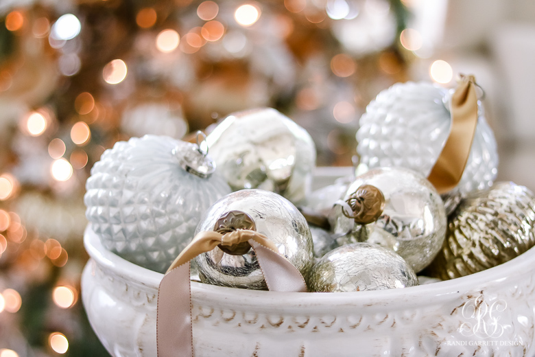 family-room-christmas-tree-2