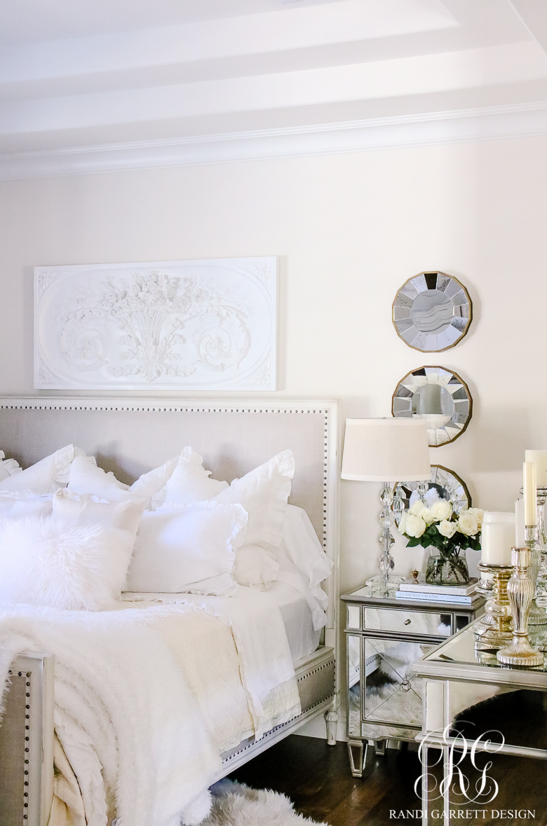 How to make your bed like a hotel fabulous ways to make for Decorate your bedroom like a hotel room