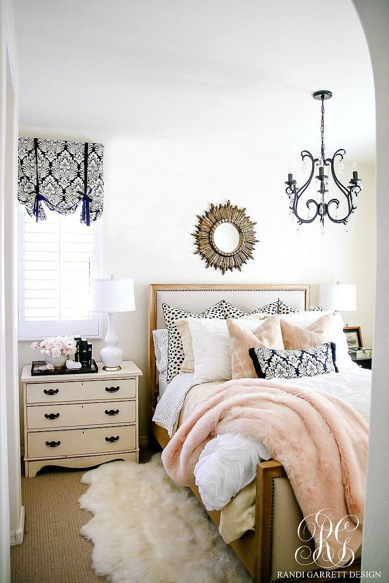 Do You Have A Room In Your House That Bugs You? Maybe There Are Pieces That  You Just Arenu0027t In Love With Anymore? My Guest Room In That Room For Me.