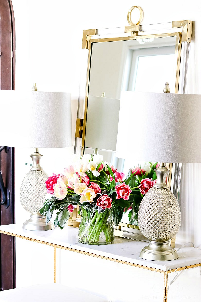 Foyer Table Flowers : Beautiful spring entertaining ideas with fresh flowers and