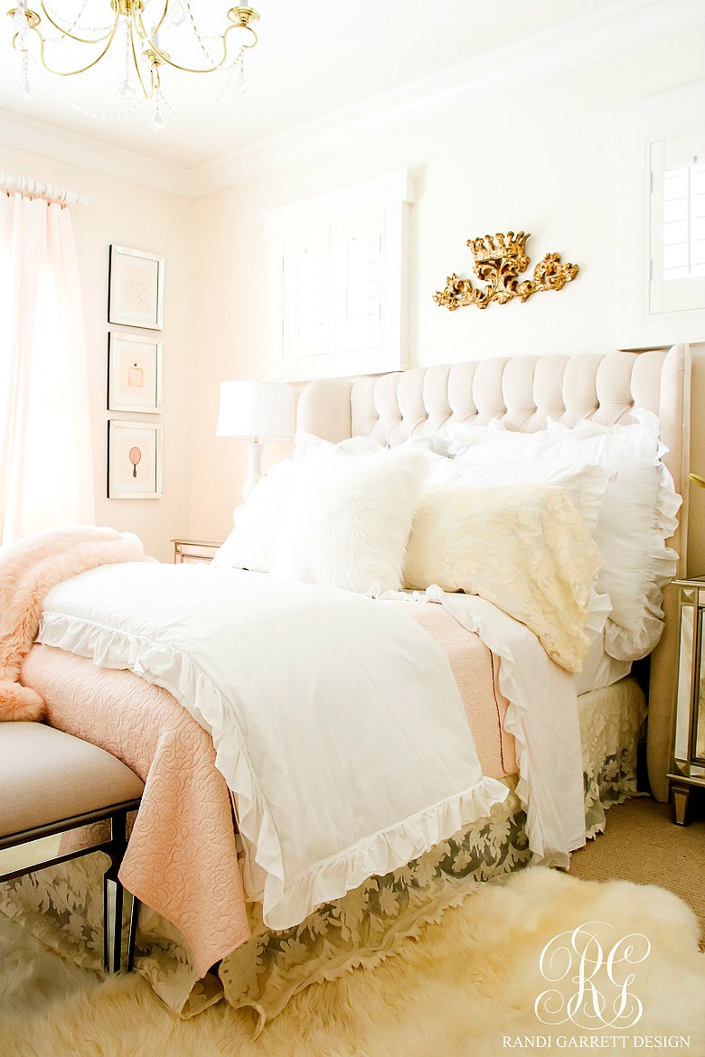Blush pink lace bedroom makeover easy tips to refresh for Pink bedroom designs for small rooms