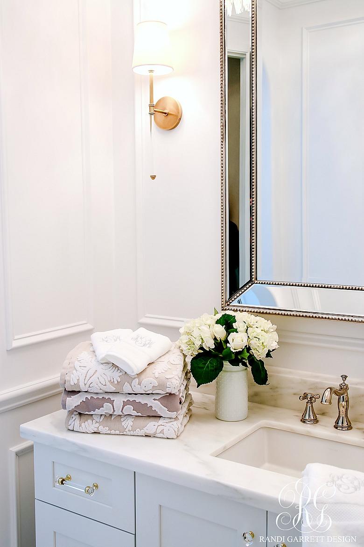 5 Stylish ways to Make your Bathroom Feel Custom