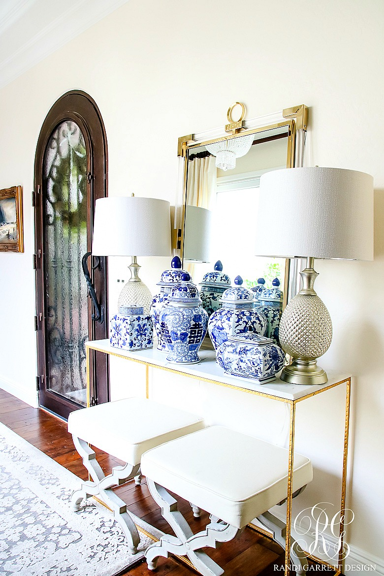 You Can Create A Similar Look In Your Home By Grouping Your Favorite Blue  And White Pieces And Displaying The On A Table Or Shelf.