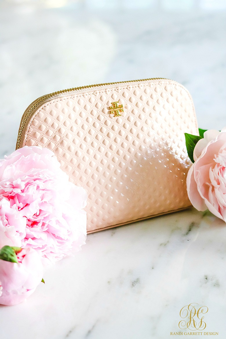 Tips to Stock your Purse in Style - What's inside my Cosmetic Bag