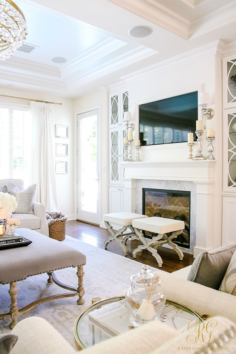 It Room: Transitional Family Room Reveal