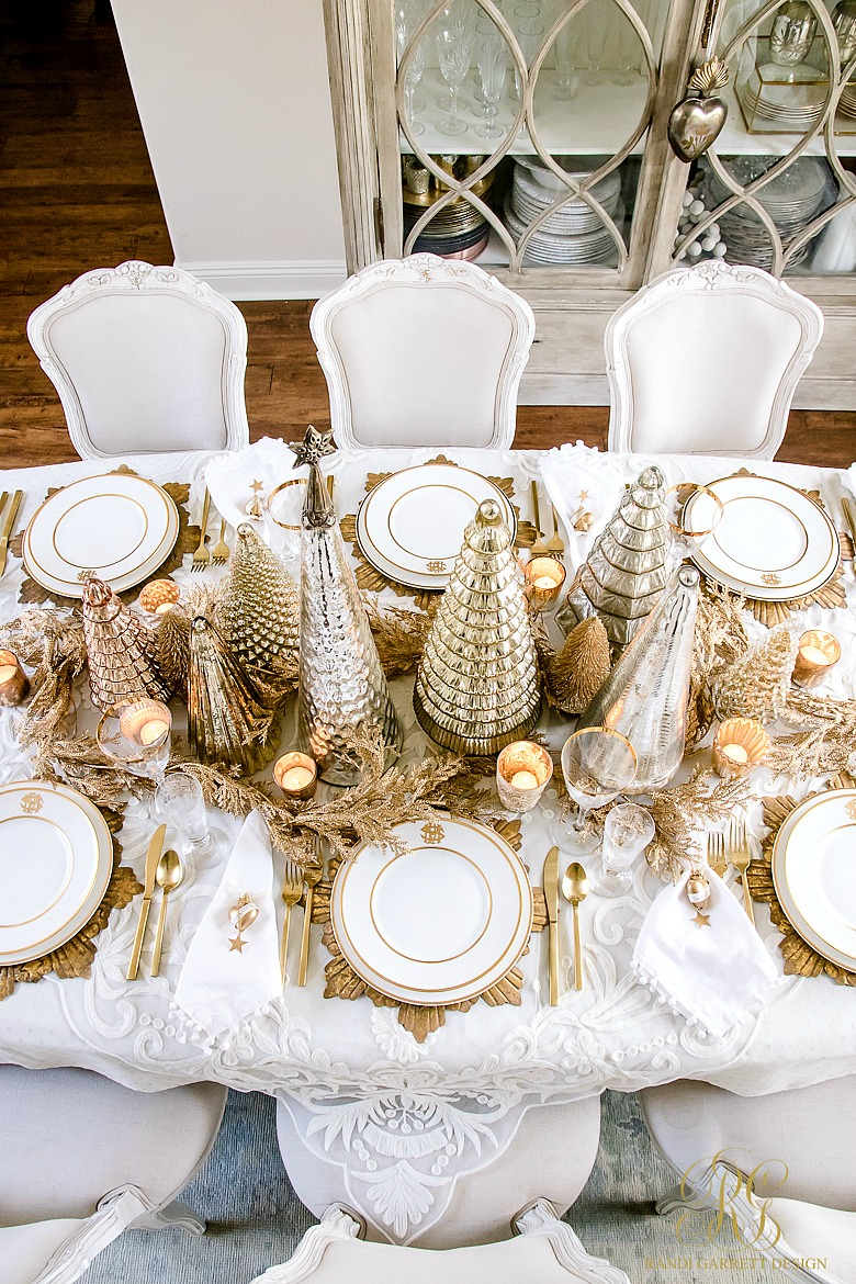 Elegant gold christmas table scape randi garrett design - Christmas table setting ideas ...
