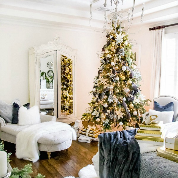 Proper Way To Decorate A Christmas Tree: Tips For Trimming Your Christmas Tree Like A Pro