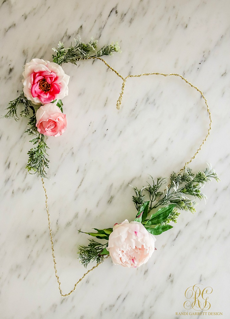 Whimsical Heart Valentine Wreath Tutorial
