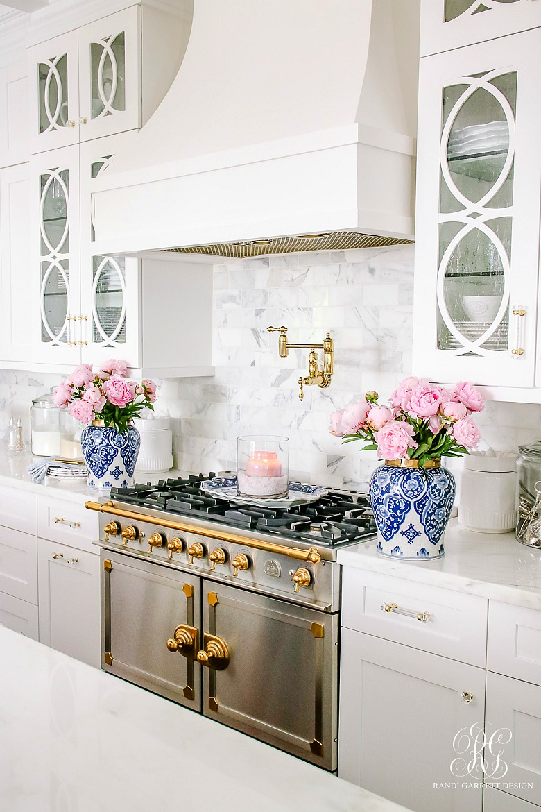 pink and blue summer decor - kitchen styled for summer
