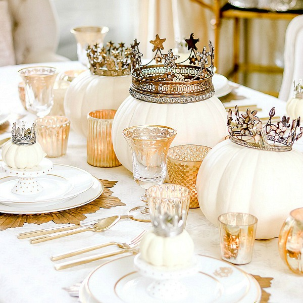 Glam Halloween Tablescape – Queen of Halloween