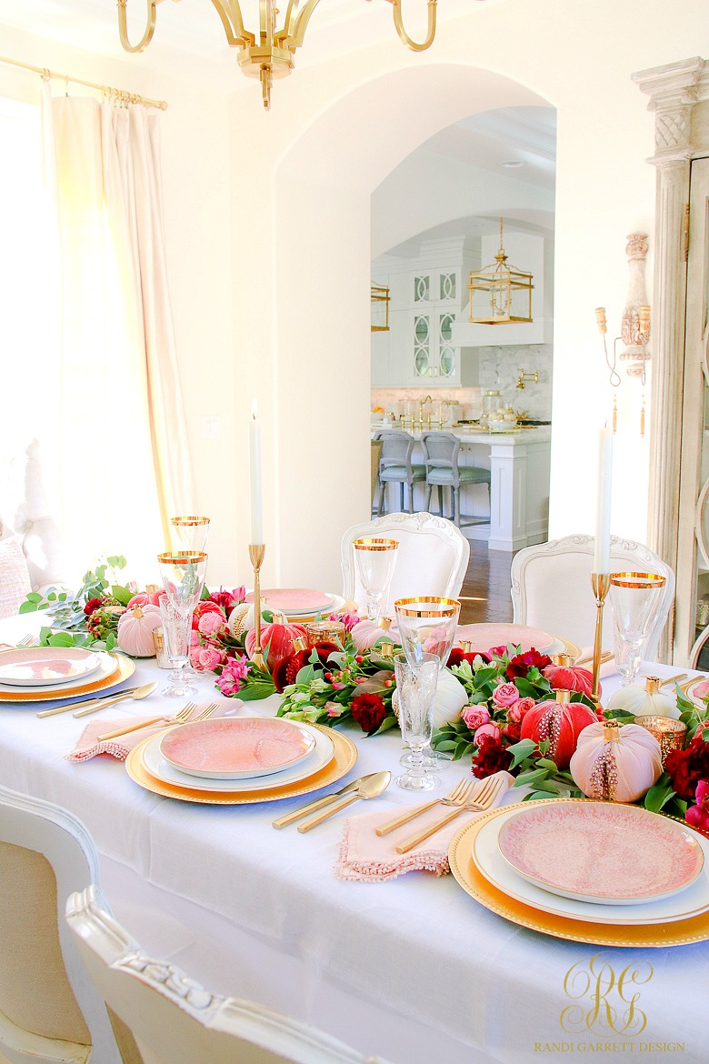 pretty thanksgiving table ideas - pink and gold table