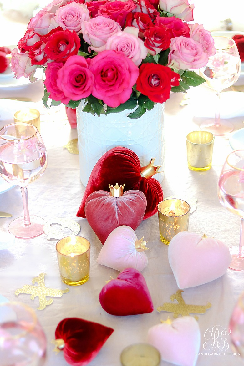 Queen of Hearts Valentine's Day Table - velvet hearts