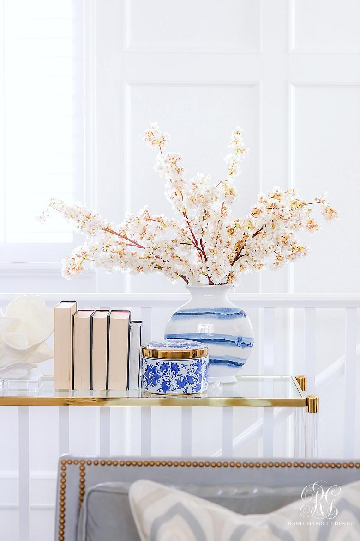 simple spring arrangement