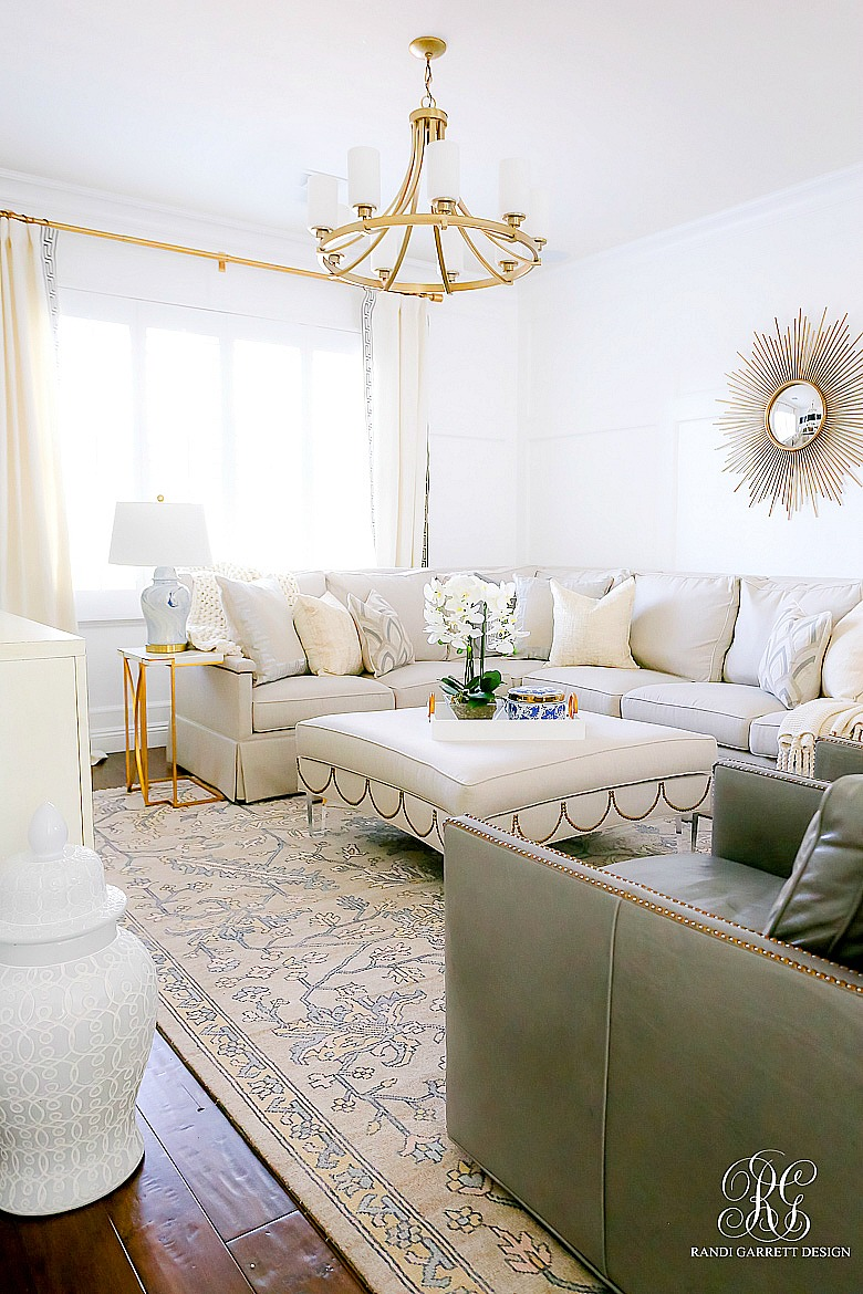 Simple Spring Decor Ideas for your Family Room - Randi ...