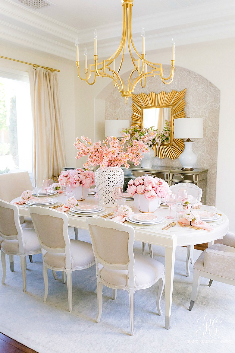 beautiful dining room - pink tablescape