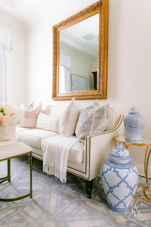 pretty den - glam decor