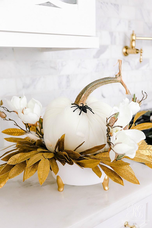 glam halloween arrangement