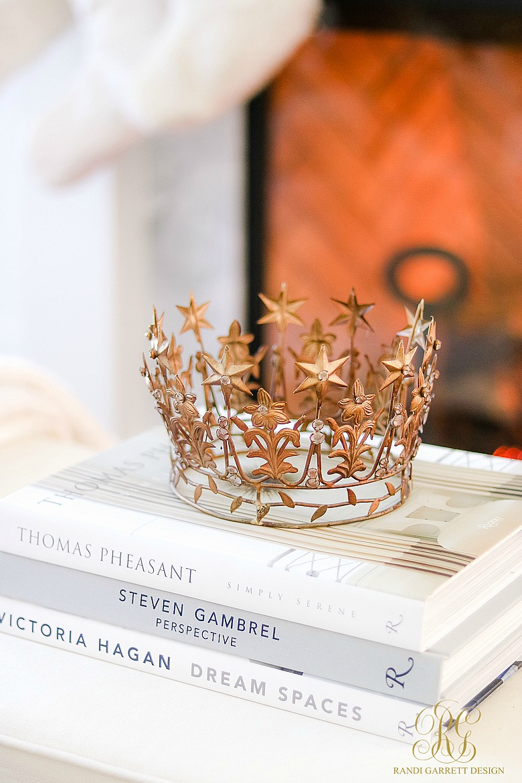 gold crown decor
