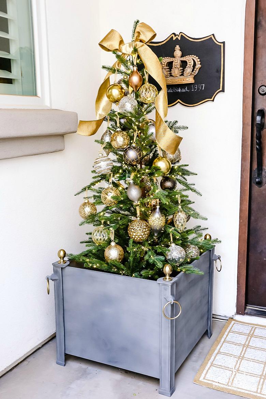 outdoor christmas tree - christmas porch