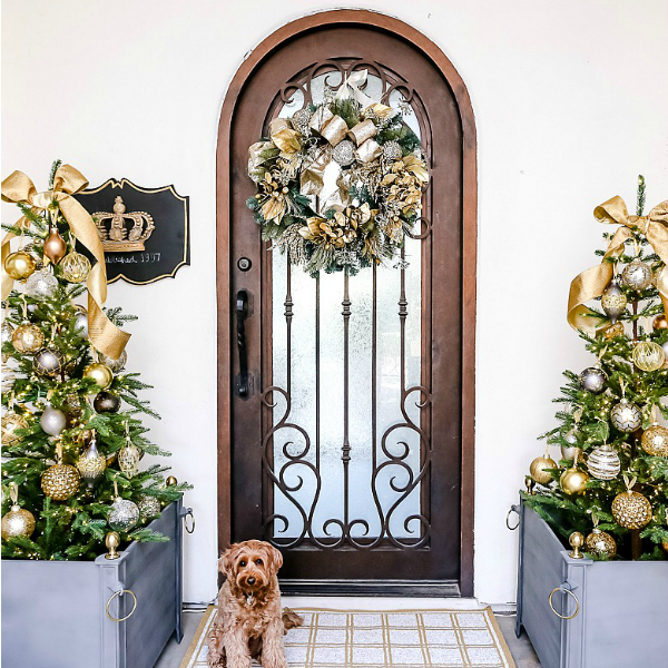 Oh Holy Night Christmas Home Tour – Christmas Porch + Entryway