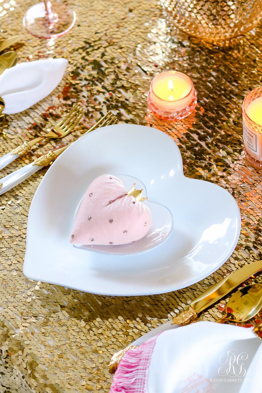 heart plates velvet heart