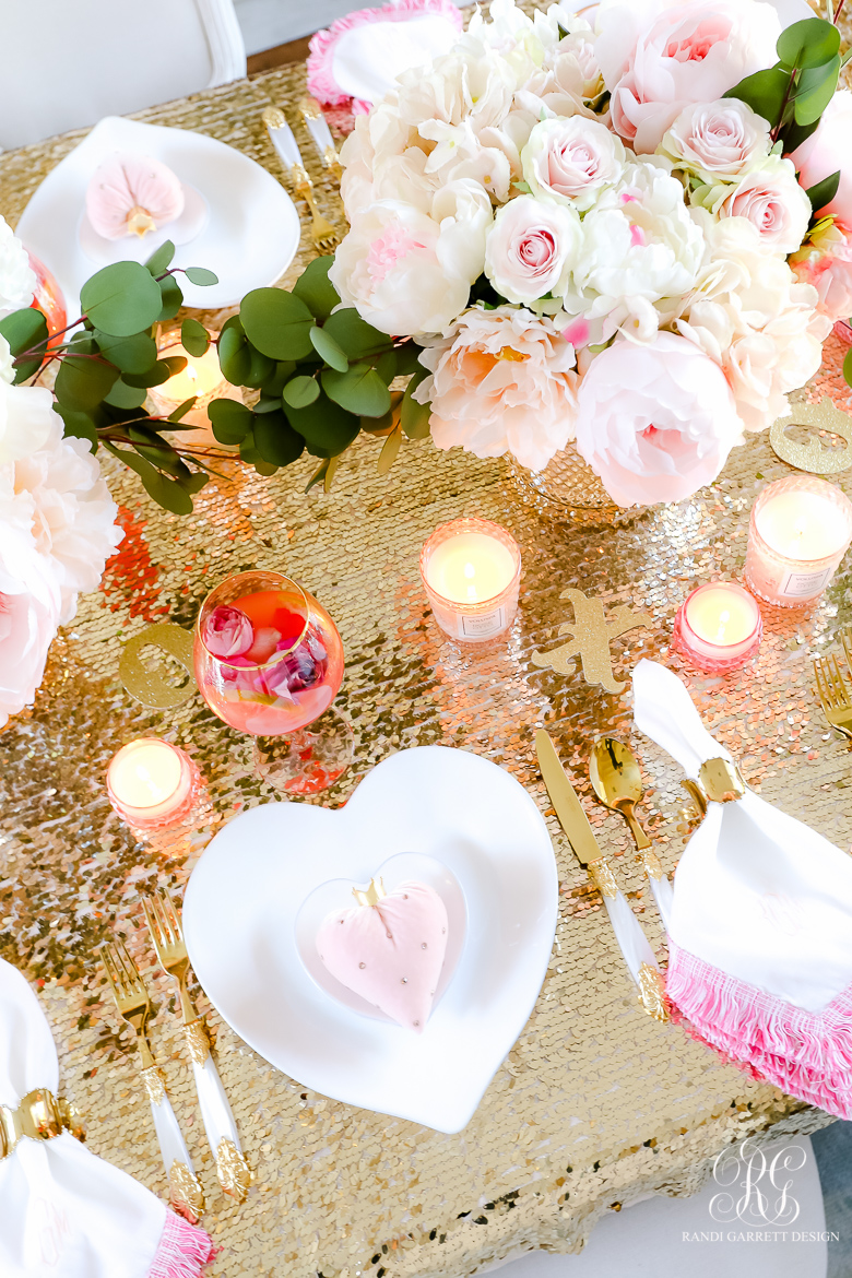 heart dishes pink table