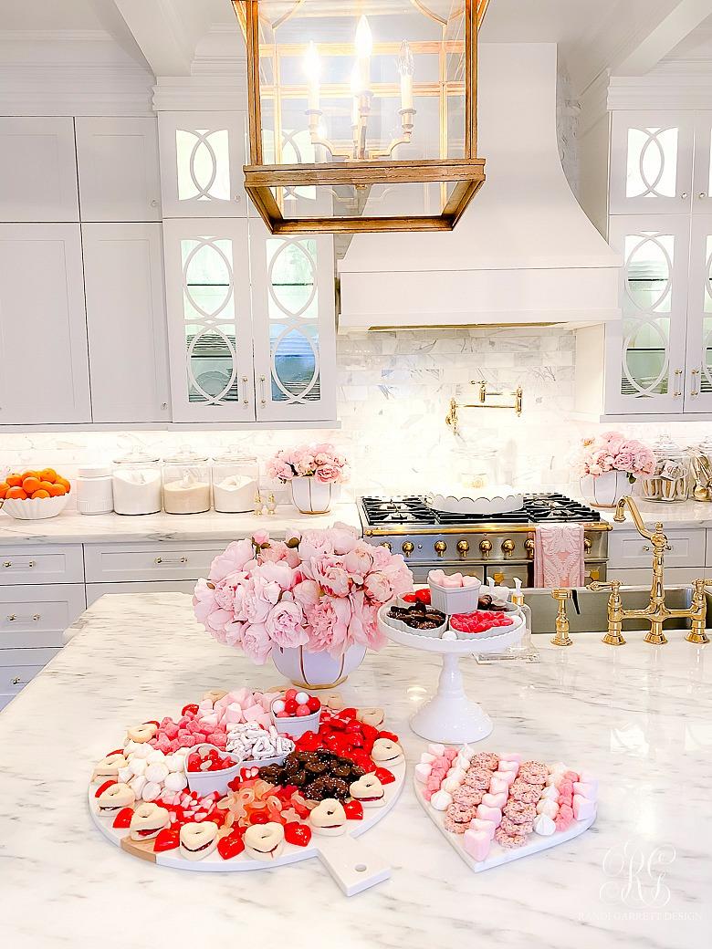 White kitchen - valentine's day decor