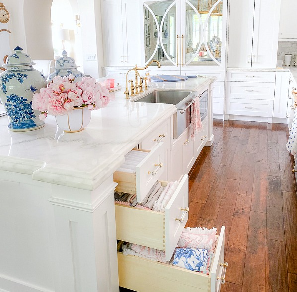 Kitchen Drawer Organizing Tips