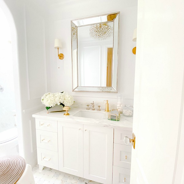 Easy Bathroom Organizing Projects