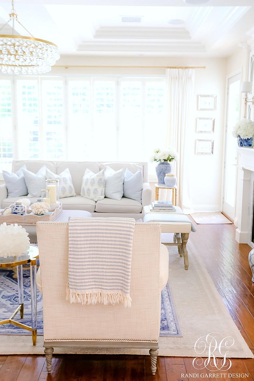 blue white family room
