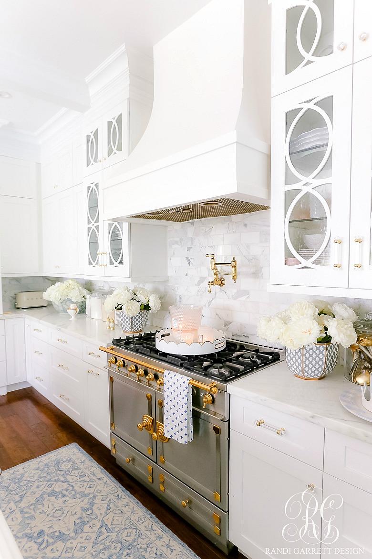 white kitchen la cornue range