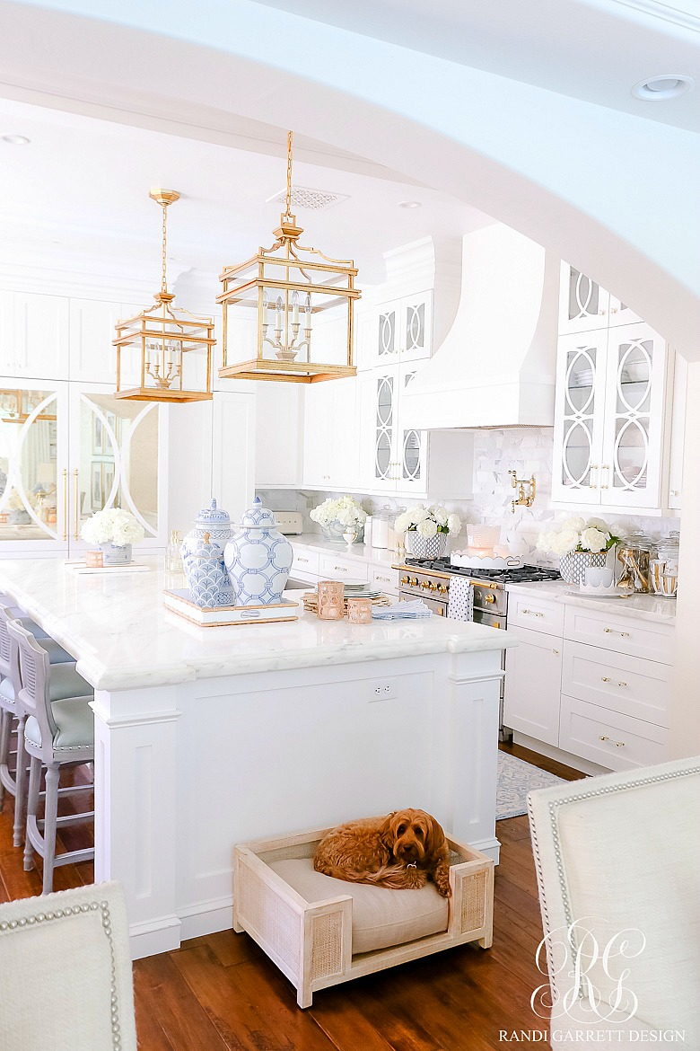 beautiful white kitchen style for summer