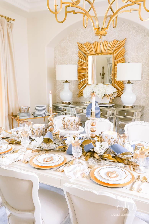 We Three Kings Christmas Table + Dining Room Tour