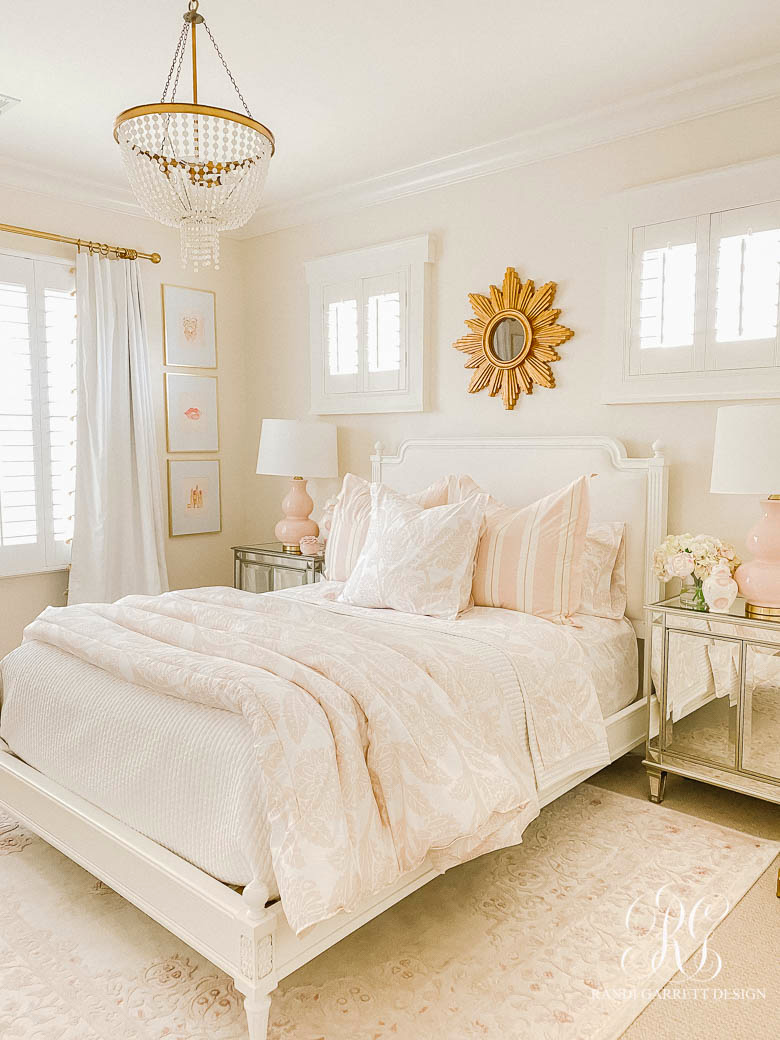 Tips for Choosing the Perfect Comforter - pink teen room