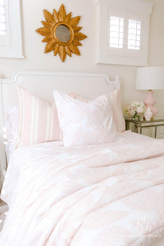 Tips for Choosing the Perfect Comforter - pink teen bedroom