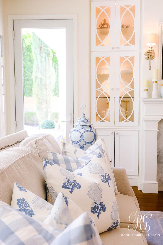 blue and white throw pillows