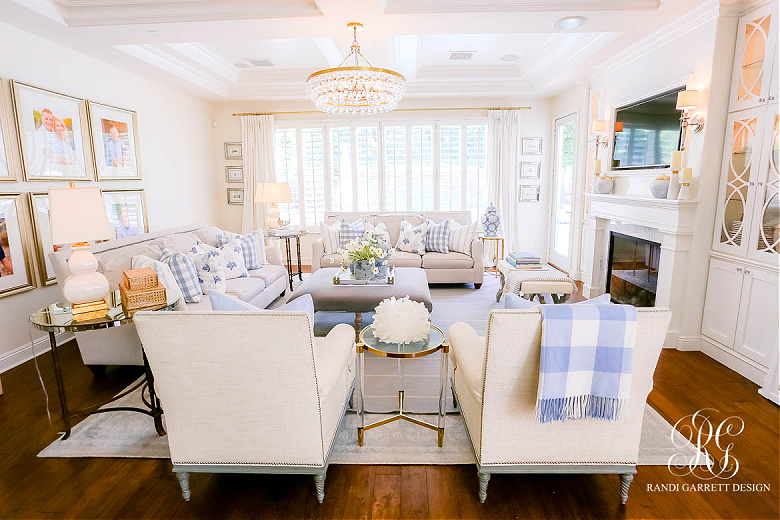 summer family room decor