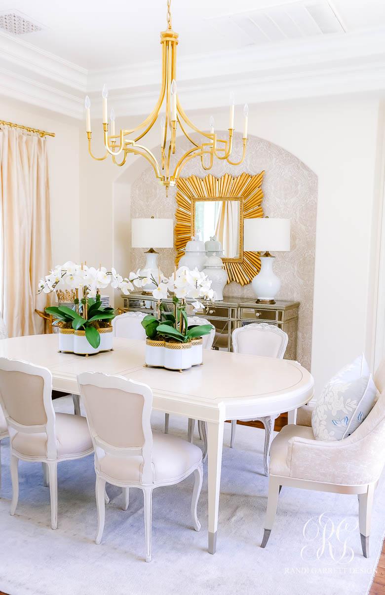 transitional summer dining room