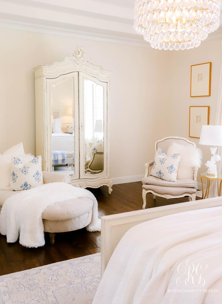 Summer Bedroom Styling
