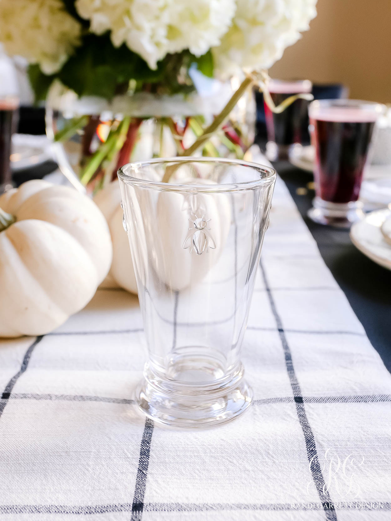 Beware Halloween Table bee glasses
